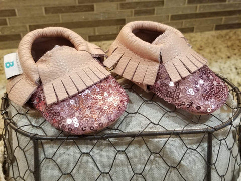 Pink sequin leather baby shoes