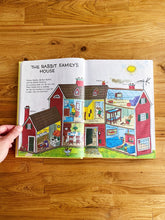 Load image into Gallery viewer, Vintage 1995 Richard Scarry's Best Storybook Ever