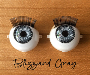 Blizzard Gray - Standard Blinking Doll Eyes (Light Tan Eyelids)