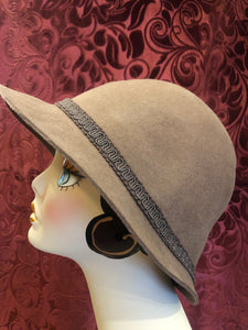 Women's Hats: Vintage 1980s does 1920s Taupe Latte Beige Brown Cloche Hat