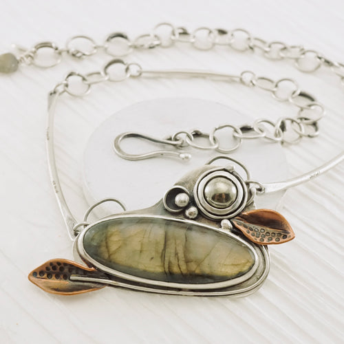 Labradorite Gardens - Necklace