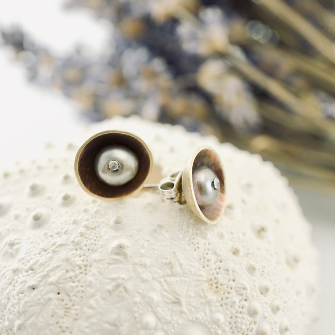 AOK - A Delicate Touch Earrings (studs)