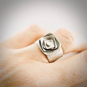 AOK - Nesting Squares Ring (Size 6)