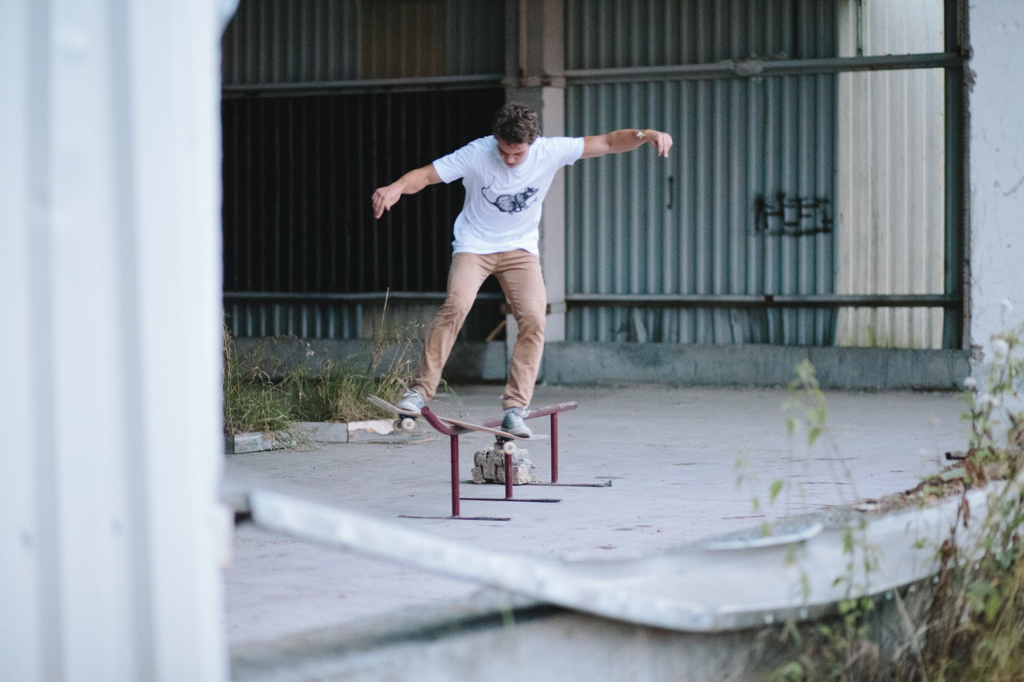 Skate rat Big white t-shirt - Stoked Boardshop  - 4