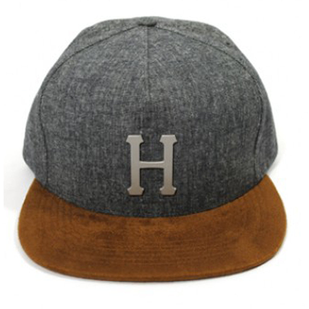 Metal H strapback - Black - Stoked Boardshop  - 1
