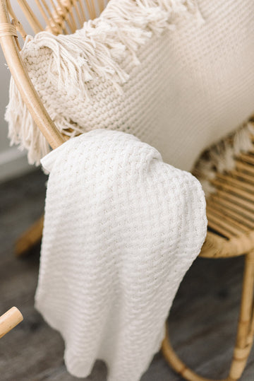Snuggle Hunny | Cream Knit Blanket