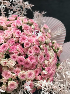 Load image into Gallery viewer, Bouquet Of Pink Roses