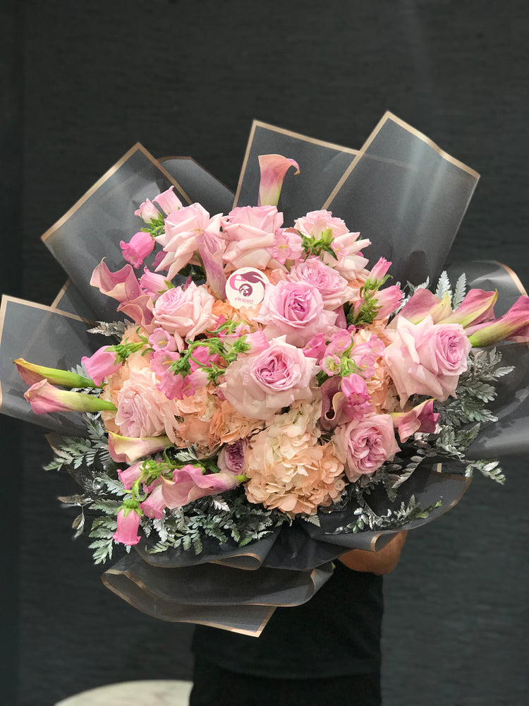 Load image into Gallery viewer, GRAND PINK BOUQUET