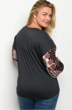 Load image into Gallery viewer, Pretty Print Sleeve Top - Wanderer Traveling Boutique