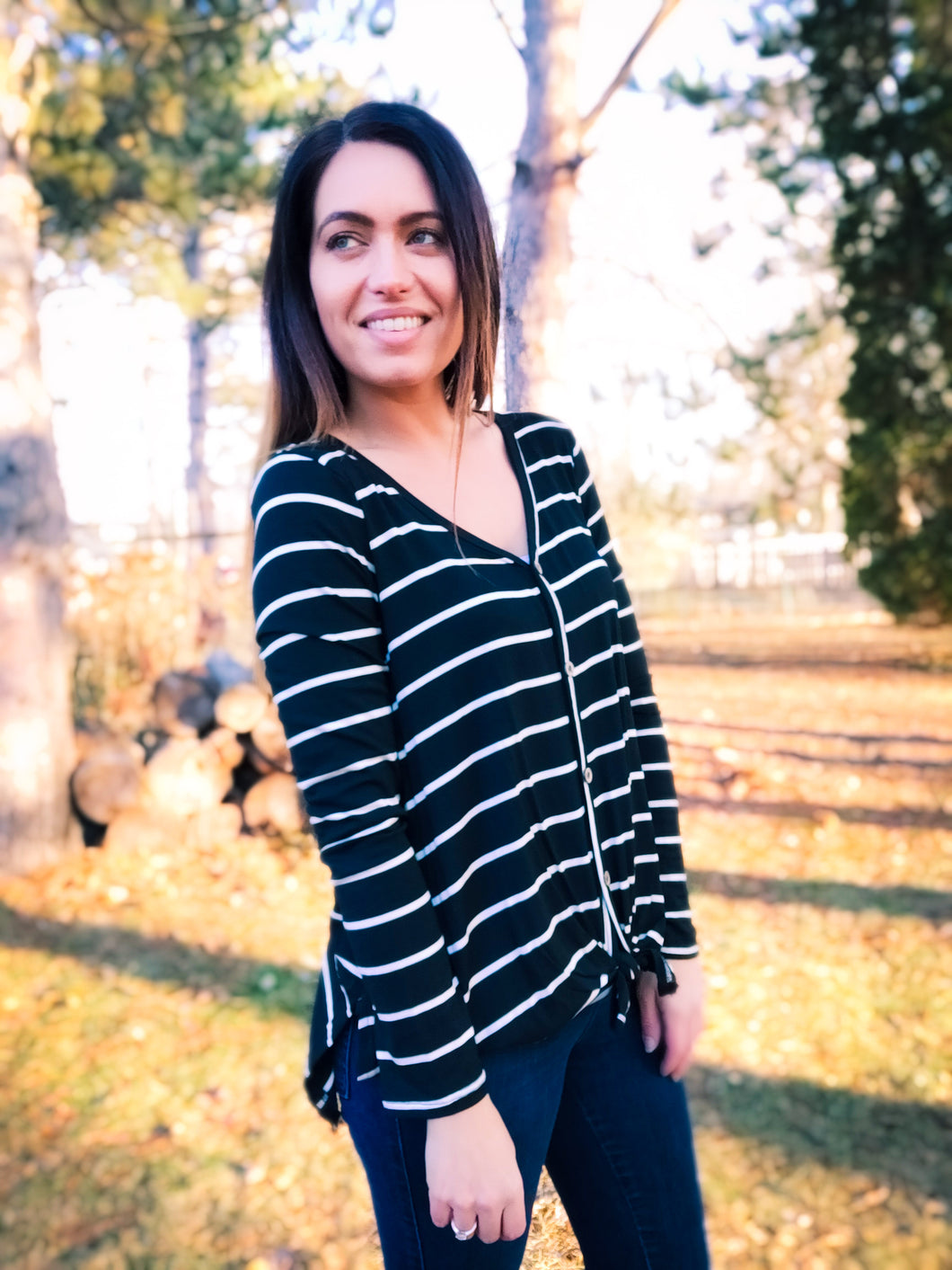 Modern Black and White Button Down - Wanderer Traveling Boutique