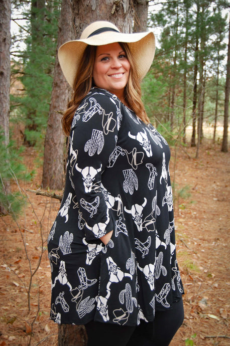 Wonderful Western Plus Size Women's Tunic in Black - Wanderer Traveling Boutique