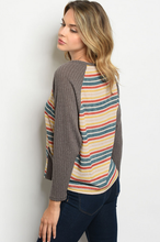 Load image into Gallery viewer, Easy-Fit Gray Cardigan with Pockets - Wanderer Traveling Boutique