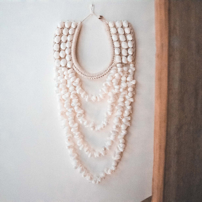 Grand Collier en Coquillages Blancs