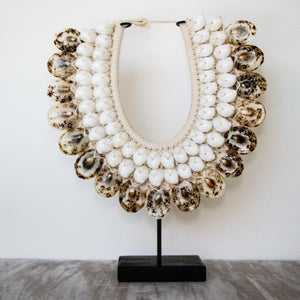 Collier Coquillages Blanc et Tigre