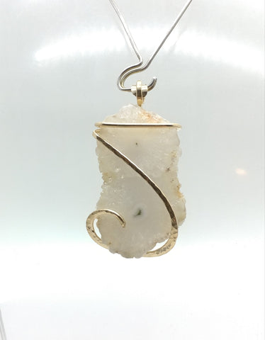 Solar Quartz Pendant in Hammered 14kt Yellow Gold Fill