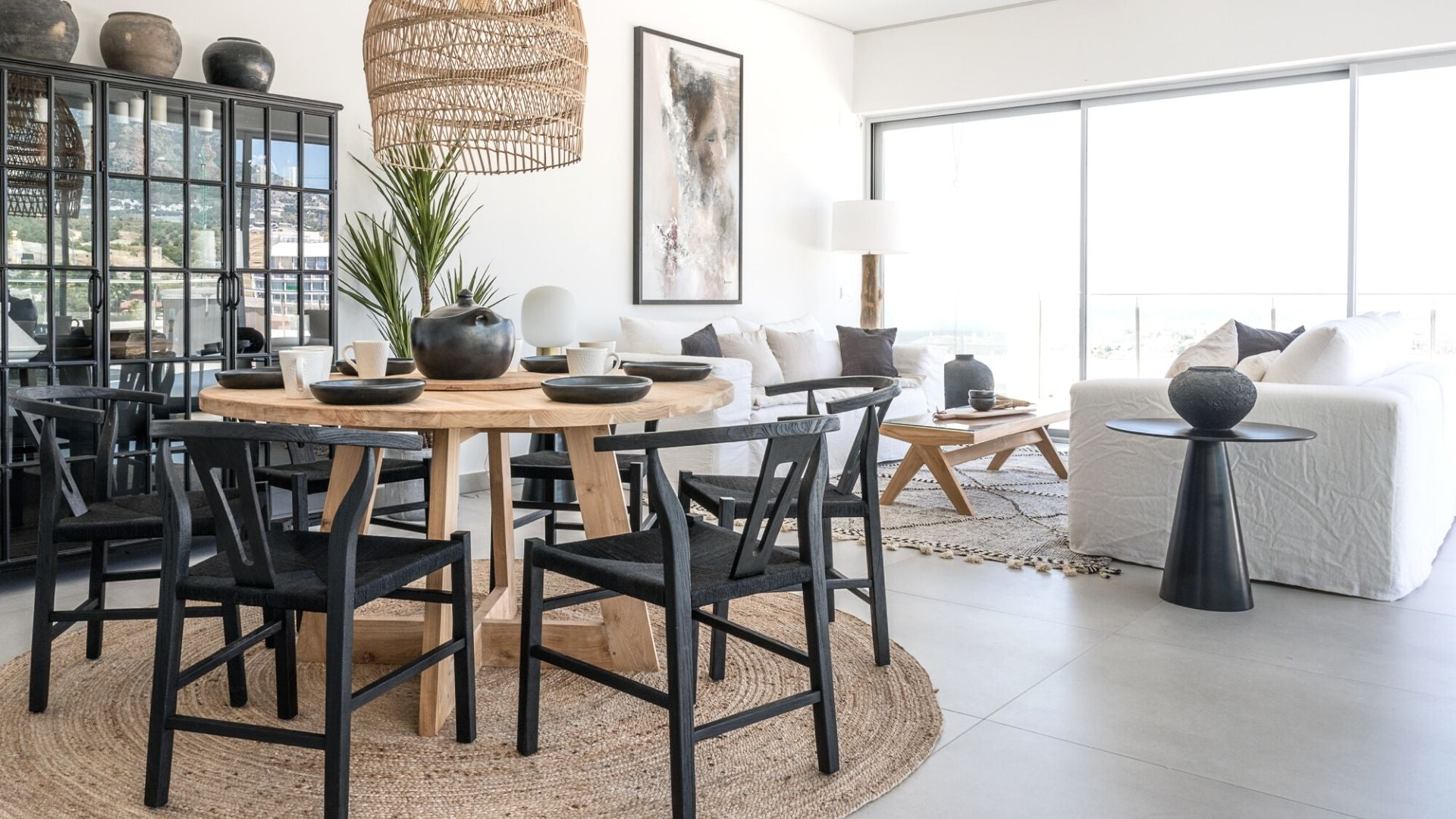 Zoco Home rug, dining table