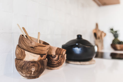 Kitchen and dining accessories