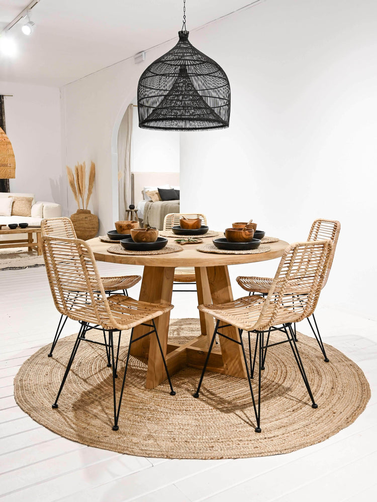 Zoco Home Furniture Sama Round dining table - 140cm
