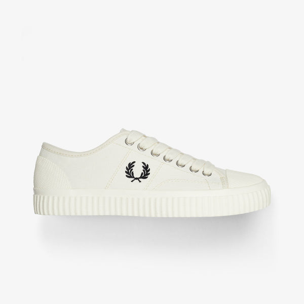 Fred Perry Hughes Low Canvas - Light Ecru
