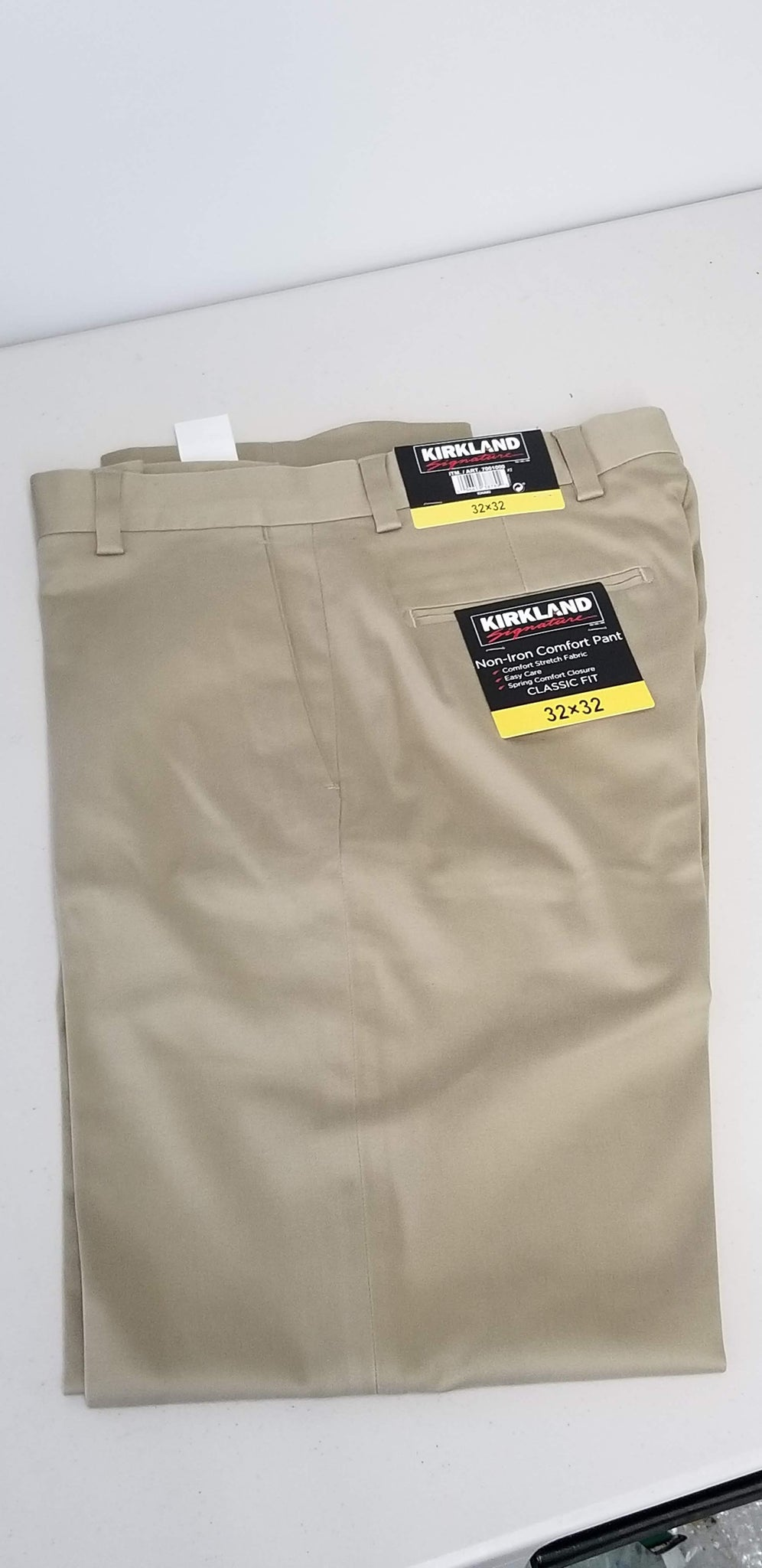 Kirkland Signature Men/'s Non Iron Classic Fit Cotton Pants