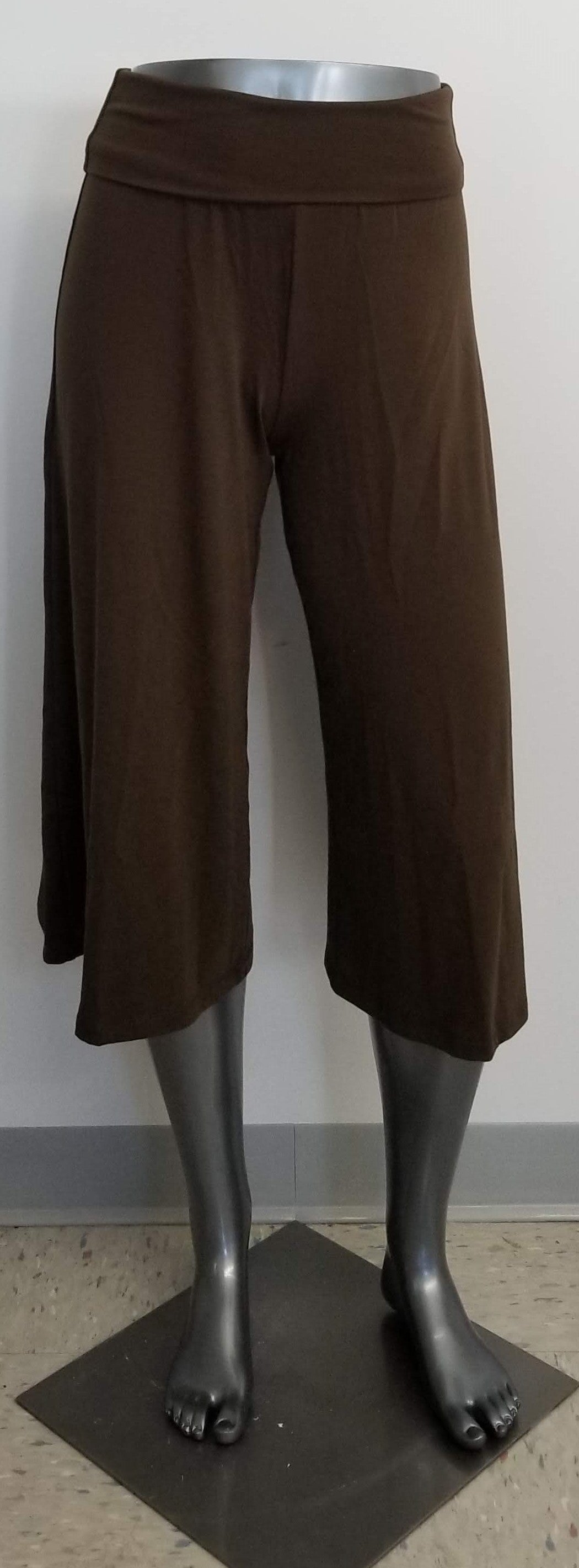 Mossimo Women's Culottes/Goucho style pants - Spanish Brown XS