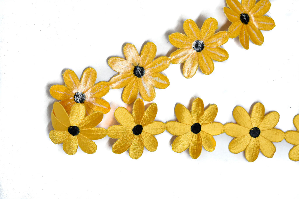 "Embroidered Yellow Daisy Flower Iron-On Trim 2"" - 1 Yard"