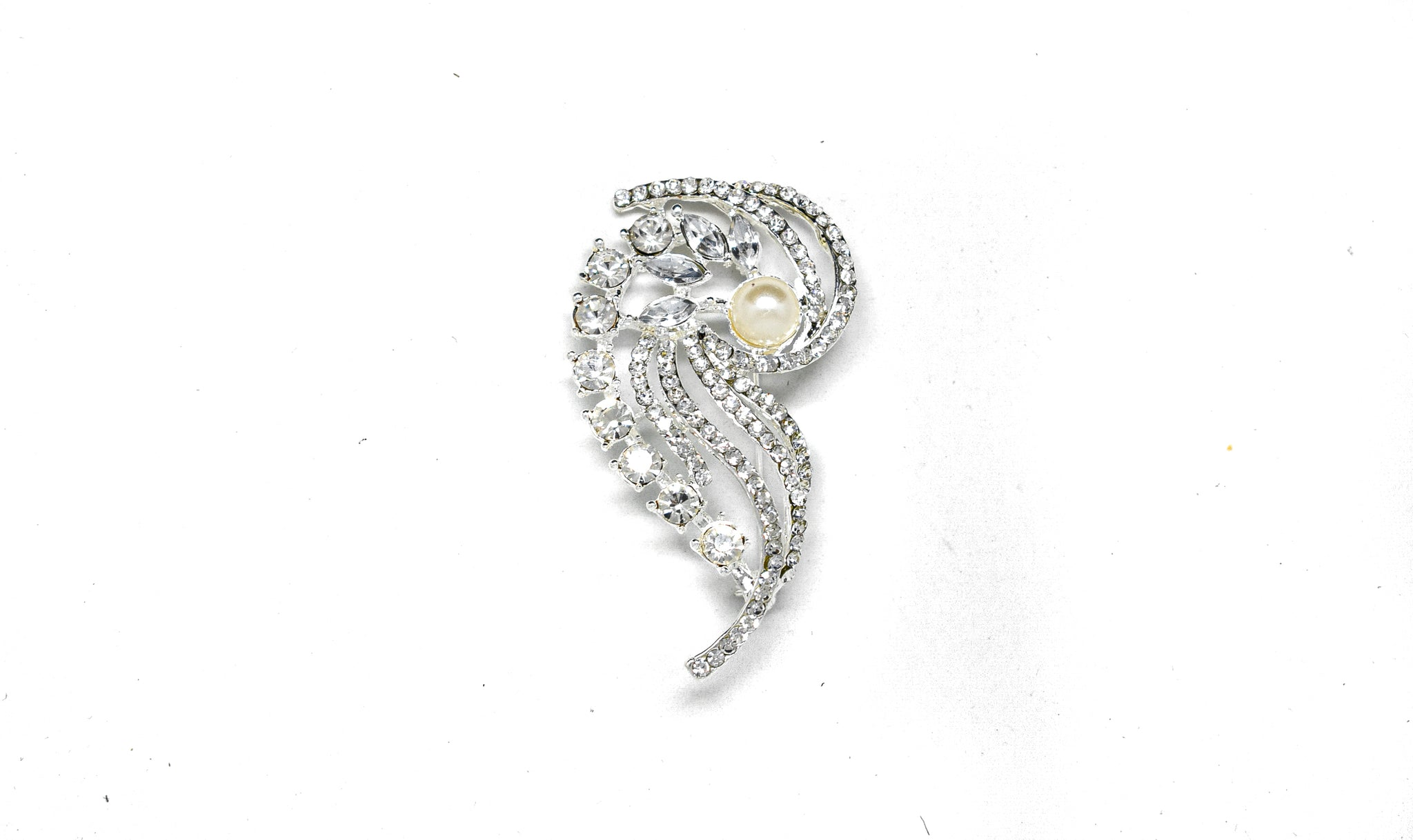 "3"" x 2.5"" Rhinestone Pin Brooch with Pearl"