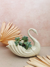 Load image into Gallery viewer, Lenox Swan Planter