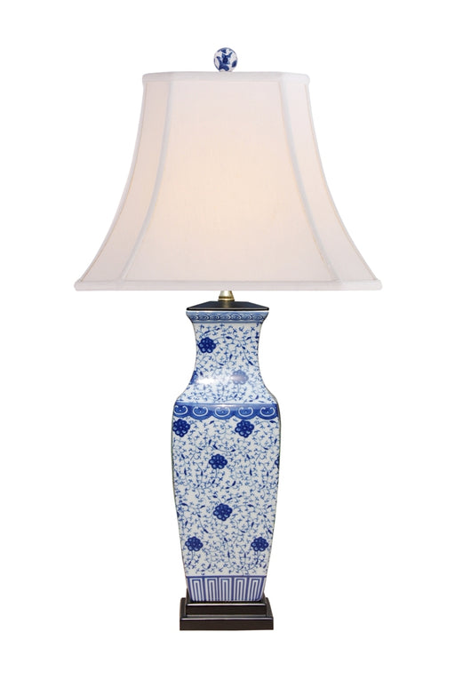 BLUE and WHITE PORCELAIN ENGLISH STYLED RECTANGLE VASE TABLE LAMP