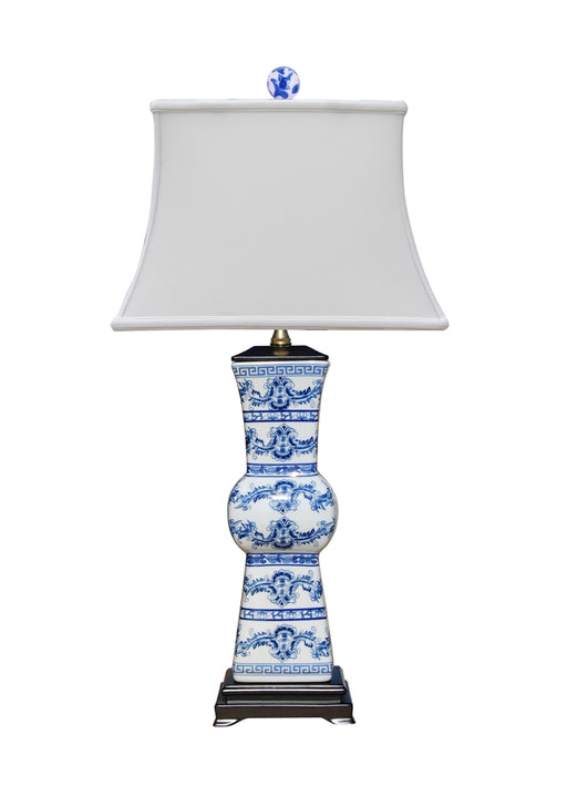 BLUE WHITE PORCELAIN EUROPEAN STYLED VASE TABLE LAMP