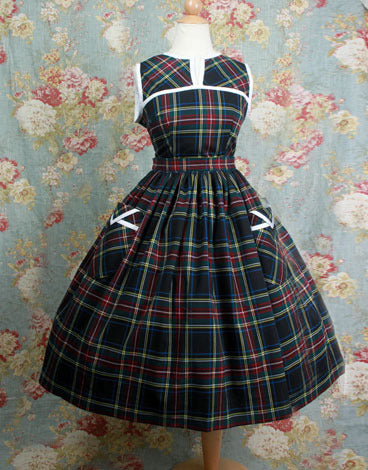 Plaid Set (Bouffant)