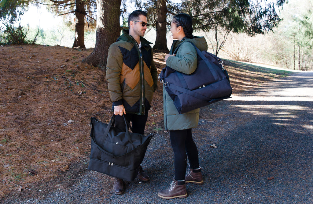 Amanda-Villarosa-Catalina-Deluxe-Weekender-Onyx-Deep-Navy-600D-Recycled-Poly-Lo-and-Sons