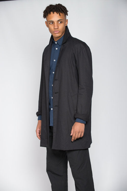 Black cotton twill Mac
