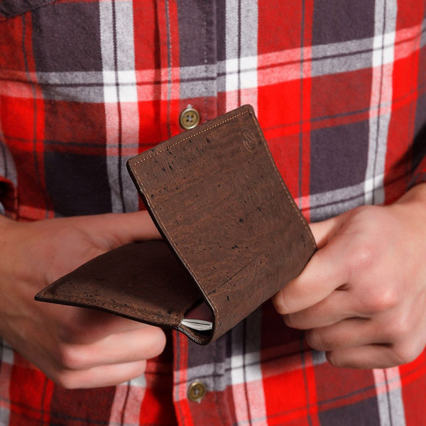 PASSPORT WALLET-BROWN