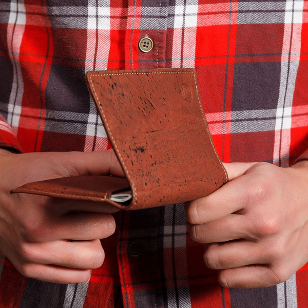 PASSPORT WALLET-RED