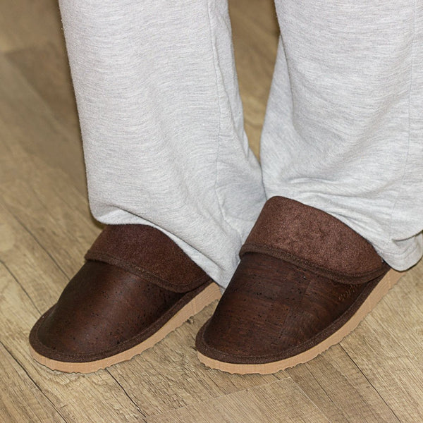 SLIPPERS WOMEN-BROWN