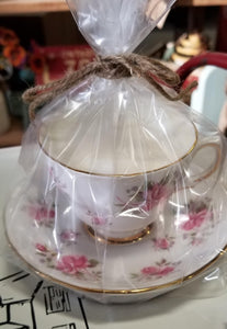 Fine China Tea Cup Soy Candles with Saucer in Caramel Pumpkin Cheesecake