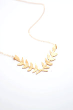 Load image into Gallery viewer, Laurel Wreath Necklace