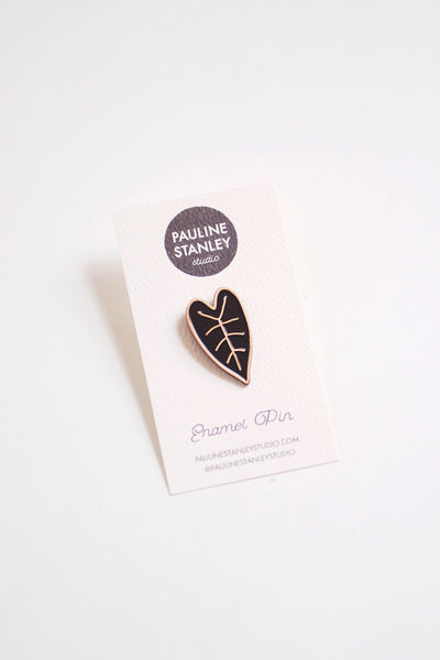 Heart Leaf Enamel Pin | Leaf Lapel Pin | Leaf Enamel Pin | Nature Pin | Leaf Badge | Black Leaf Pin | House Plant Pin | Plant Lapel Pin