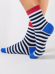 Classic cotton striped Socks Conte Elegant with dark-blue stripes