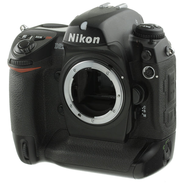Nikon D2X Digital Camera US Model 18,000 Actuations Beautiful Condition