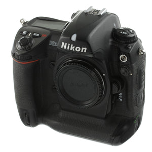 Nikon D2XS Digital Camera Body US Model 26,000 Actuations