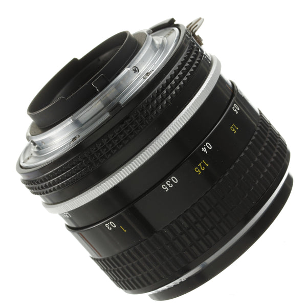 Nikon Nikkor 35mm F2 AI Lens Beautiful Condition