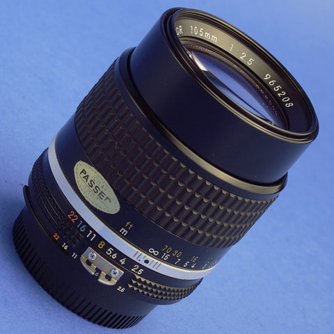 Nikon Nikkor 105mm 2.5 Ai-S Lens Beautiful Condition
