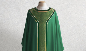 601 Classic Yoke Chasuble in Green