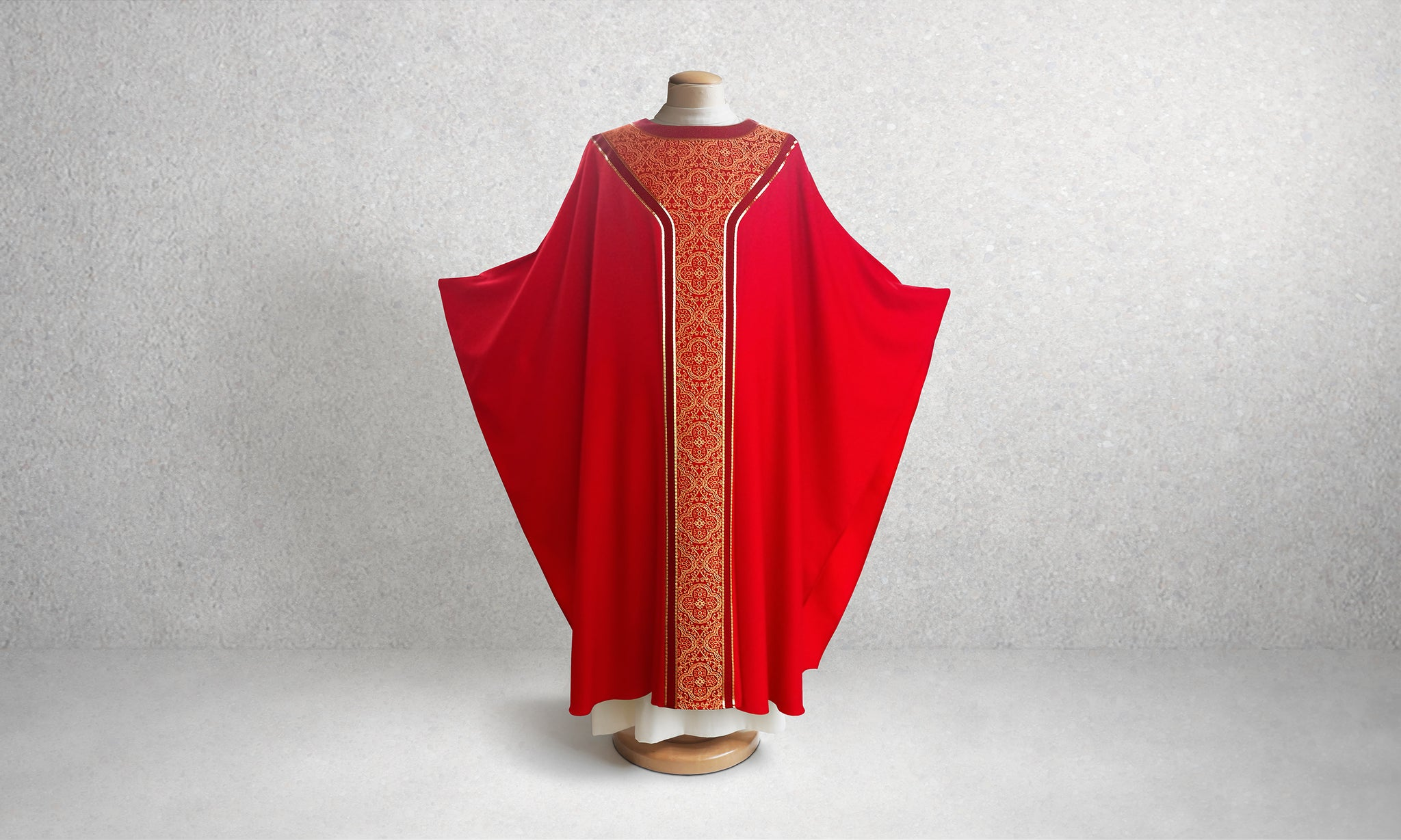 601 Classic Yoke Chasuble in Red