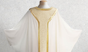 601 Classic Yoke Chasuble in White