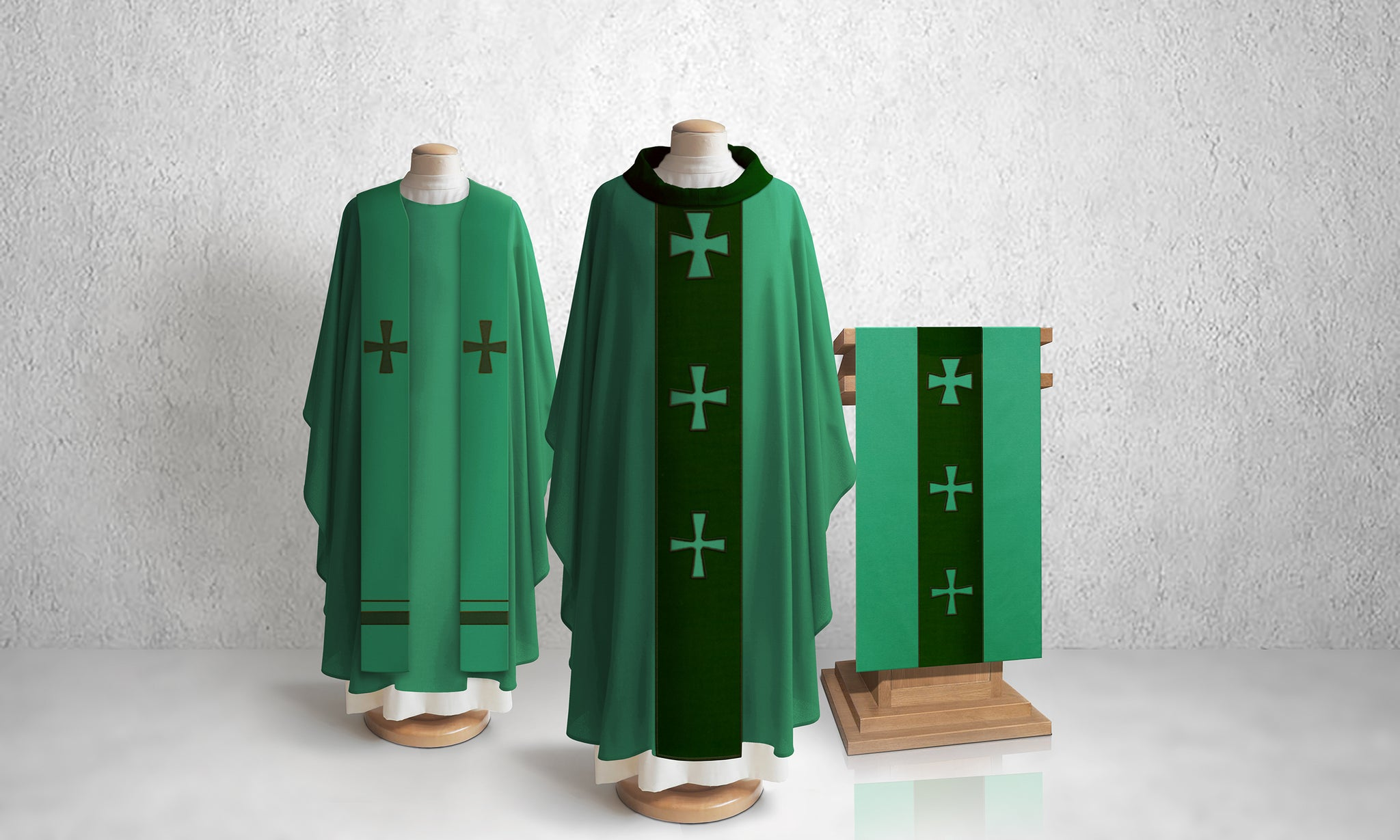 376 Crucifixion Stole <br> in Green