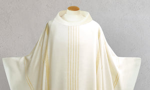 Traviata Woven Chasuble in White