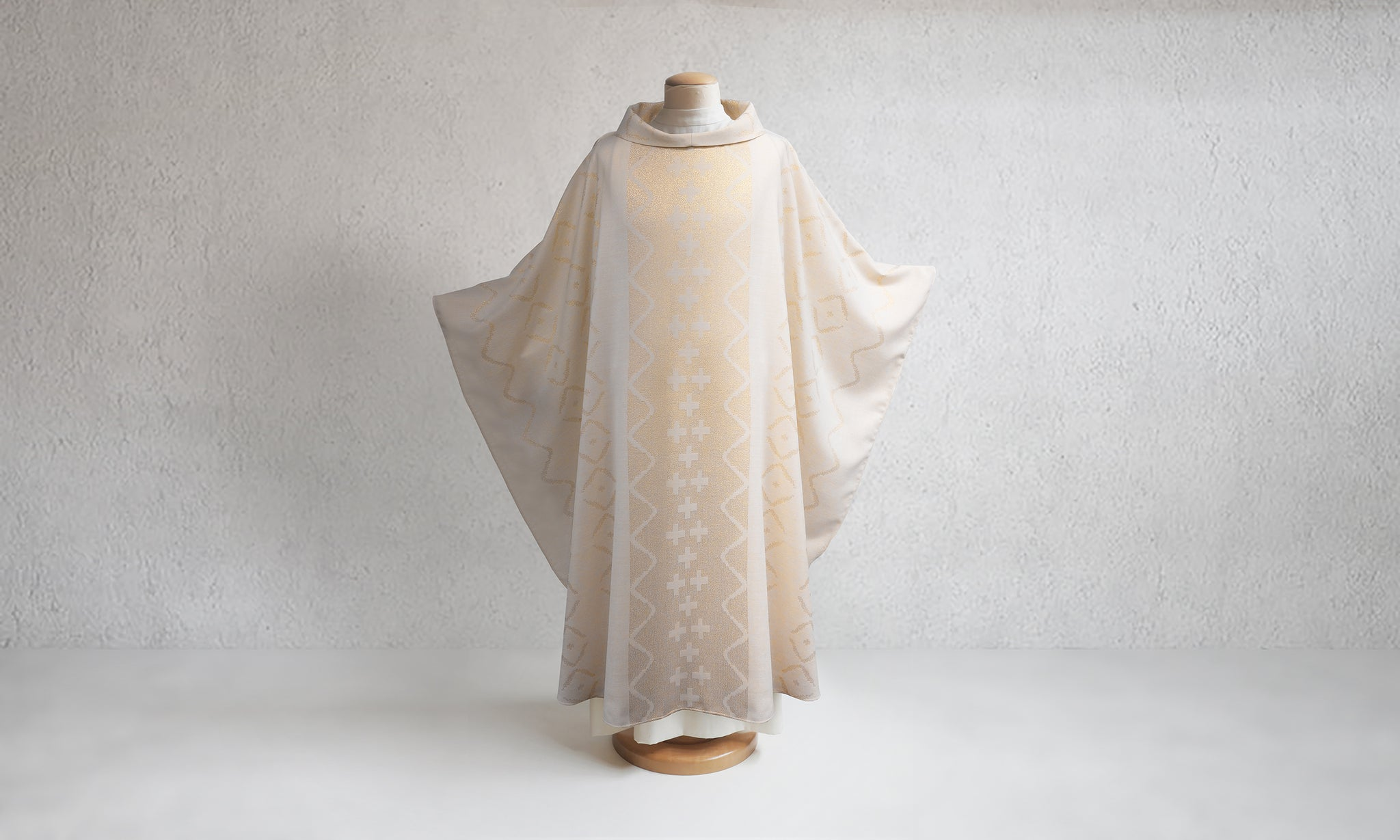 Judea Chasuble <br> in White & Gold